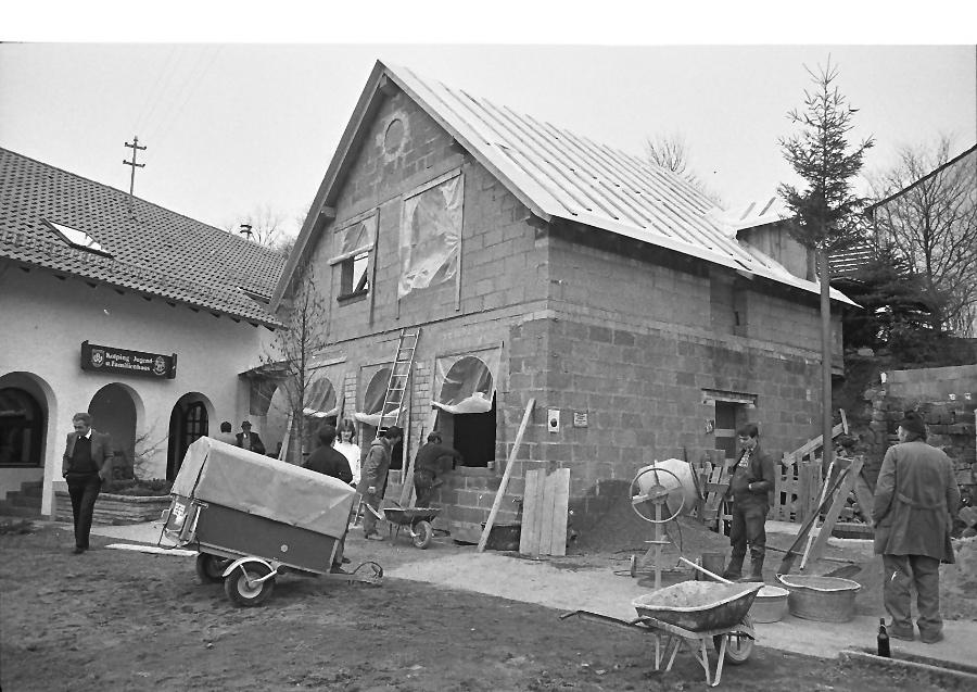 1987-im-april-erweiterungsbau-1_0001