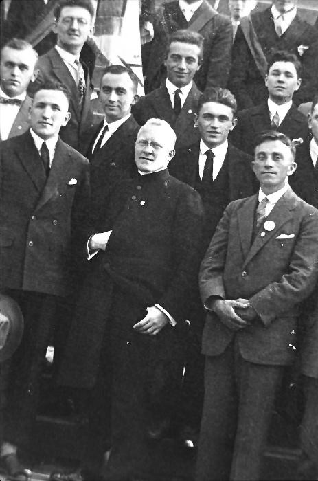 1928-pfarrer-dr-niklas-und-gesellenverein-2_0001