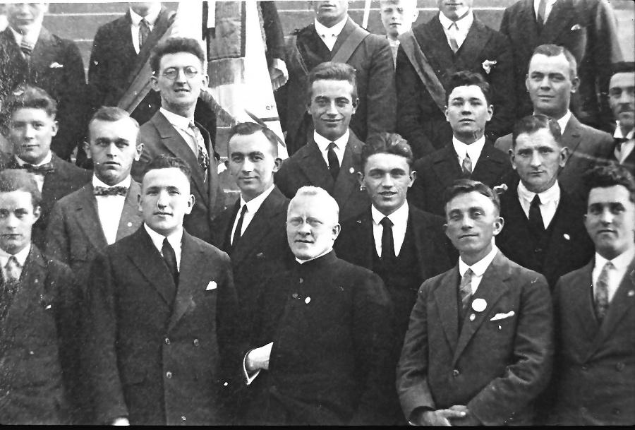 1928-pfarrer-dr-niklas-und-gesellenverein-2_0002