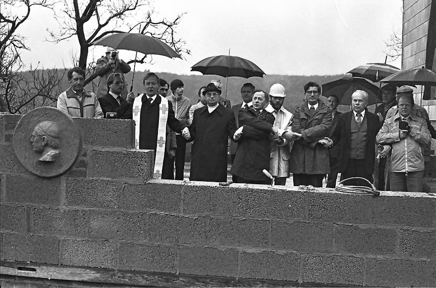 1981-grundsteinlegung-falkenstein-am-1-mai-5-_0001