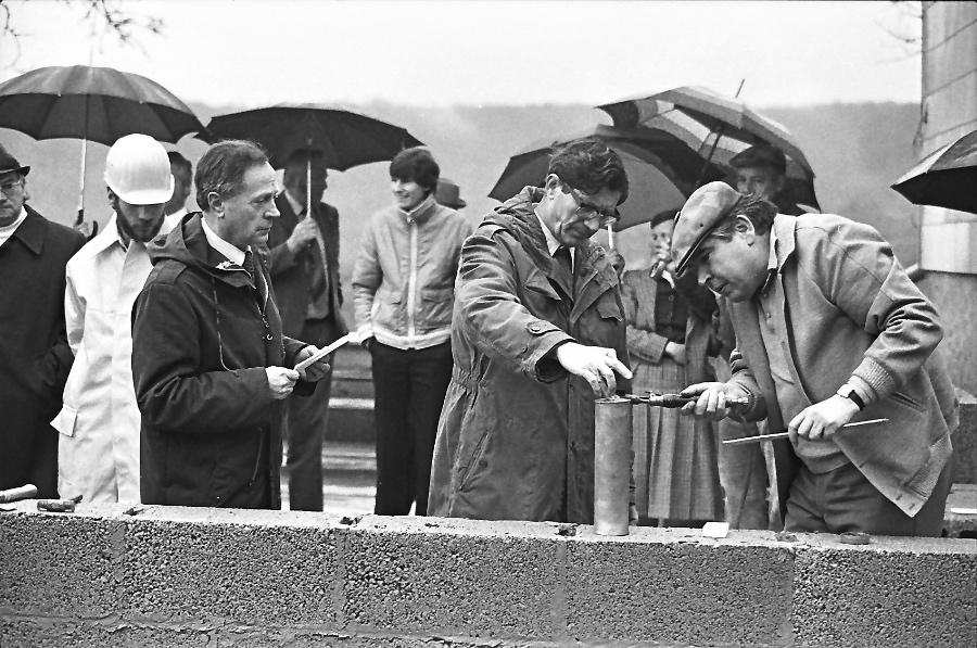 1981-grundsteinlegung-falkenstein-am-1-mai_0002