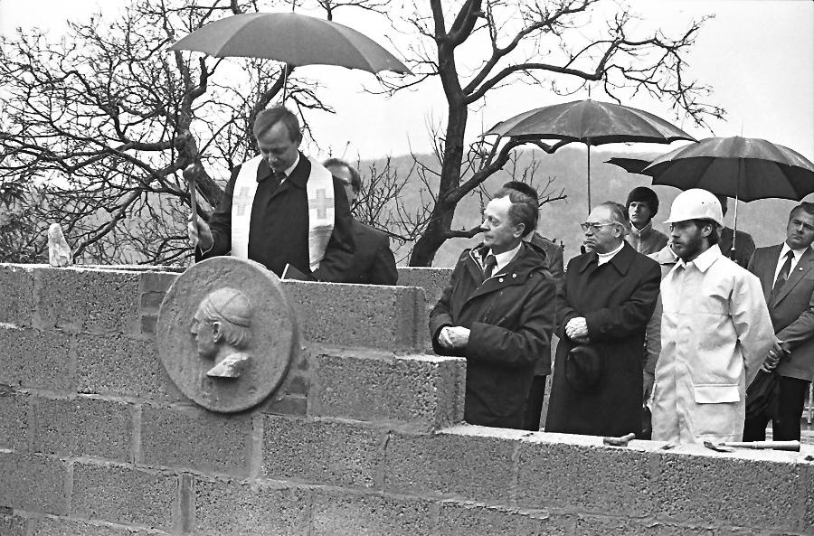 1981-grundsteinlegung-falkenstein-am-1-mai_0007